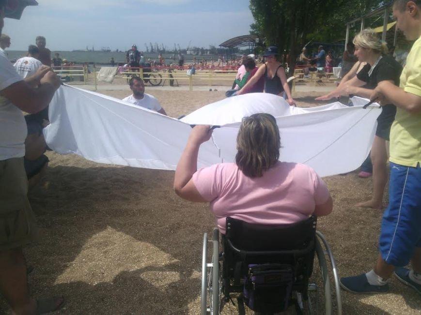 В Мариуполе открылся пляж для людей с особыми потребностями (ФОТО), фото-2