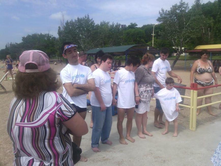 В Мариуполе открылся пляж для людей с особыми потребностями (ФОТО), фото-1