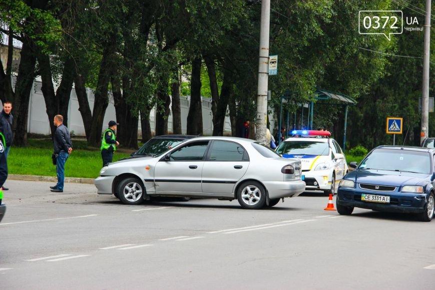 У Чернівцях по вулиці Південно-Кільцевій трапилася ДТП(ФОТО), фото-2