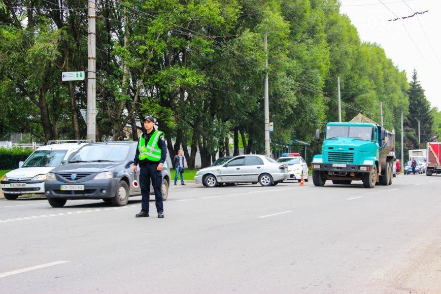 У Чернівцях по вулиці Південно-Кільцевій трапилася ДТП(ФОТО), фото-3
