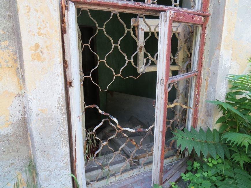 Улица Греческая: два года после освобождения Мариуполя (ФОТОРЕПОРТАЖ), фото-17
