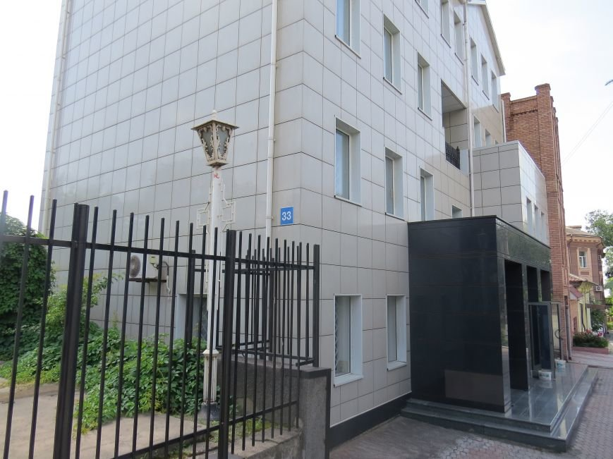 Улица Греческая: два года после освобождения Мариуполя (ФОТОРЕПОРТАЖ), фото-2