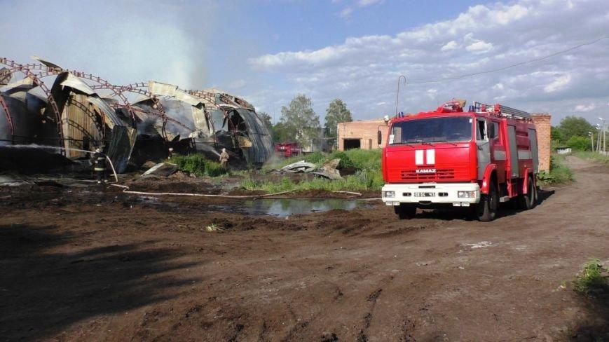 Нежинский жирокомбинат тушило 16 спасателей, фото-2