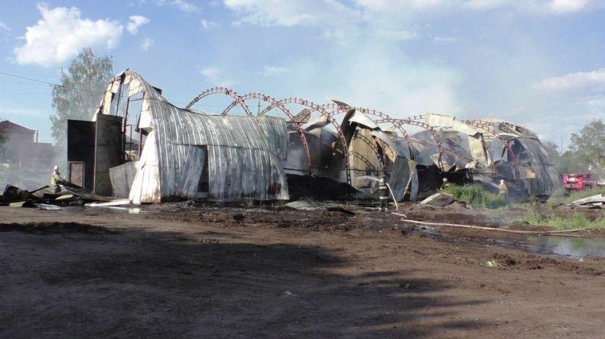 Нежинский жирокомбинат тушило 16 спасателей, фото-1