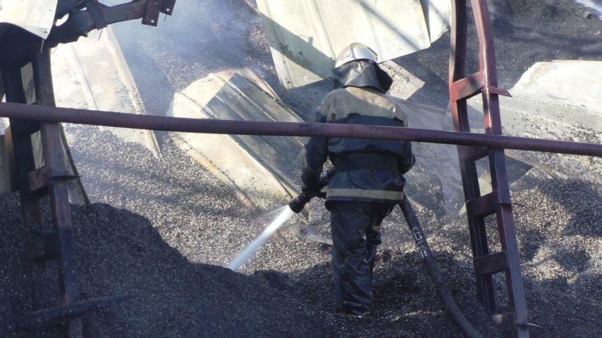 Нежинский жирокомбинат тушило 16 спасателей, фото-5