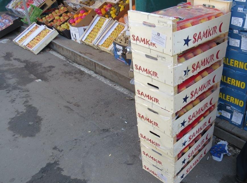 В Симферополе уничтожили 56 кг испанских персиков (ФОТО), фото-2