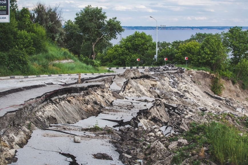Оползень в Ульяновске продолжает разрушать склон? ФОТО, фото-7