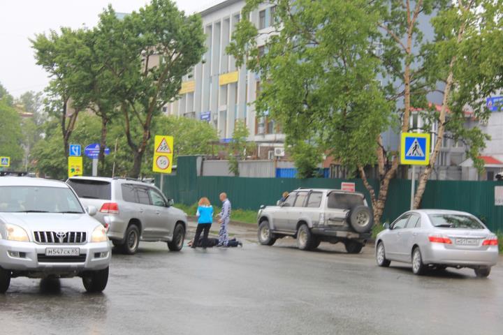 Водитель внедорожника сбил пешехода в Южно-Сахалинске, фото-1