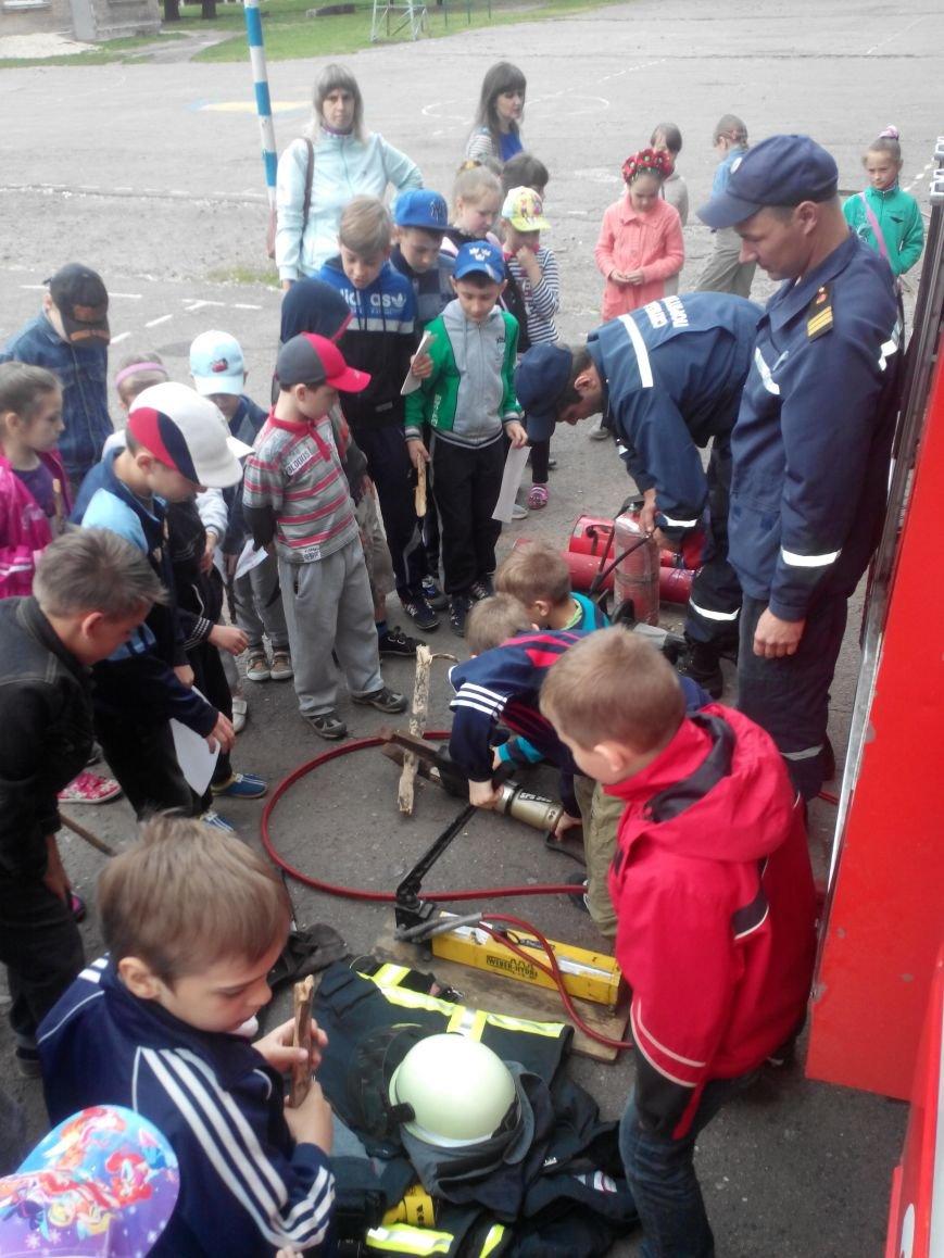 Краматорские спасатели напомнили ребятне о правилах безопасности, фото-2