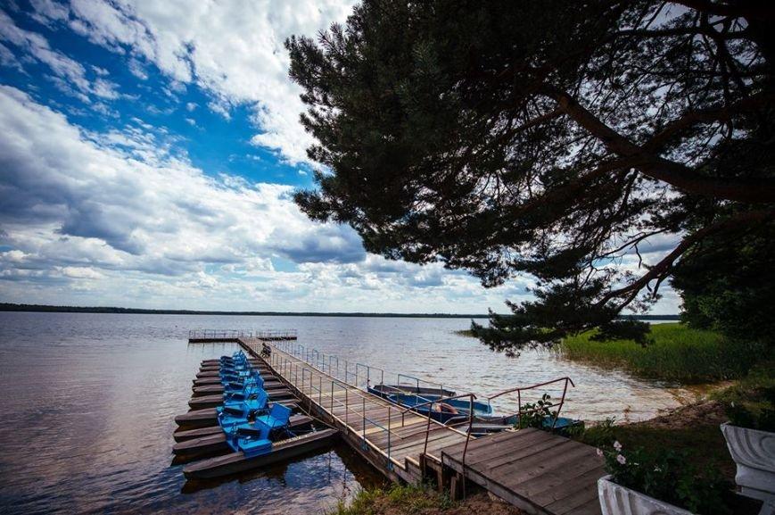 Bile-ozero-bilya-sela-Rudka-Rivnenskiy-oblasti