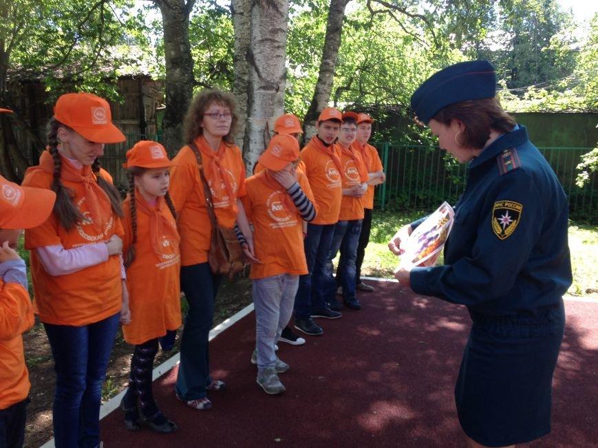МЧС ТиНАО устроило детям экскурсию в пожарную часть, фото-5