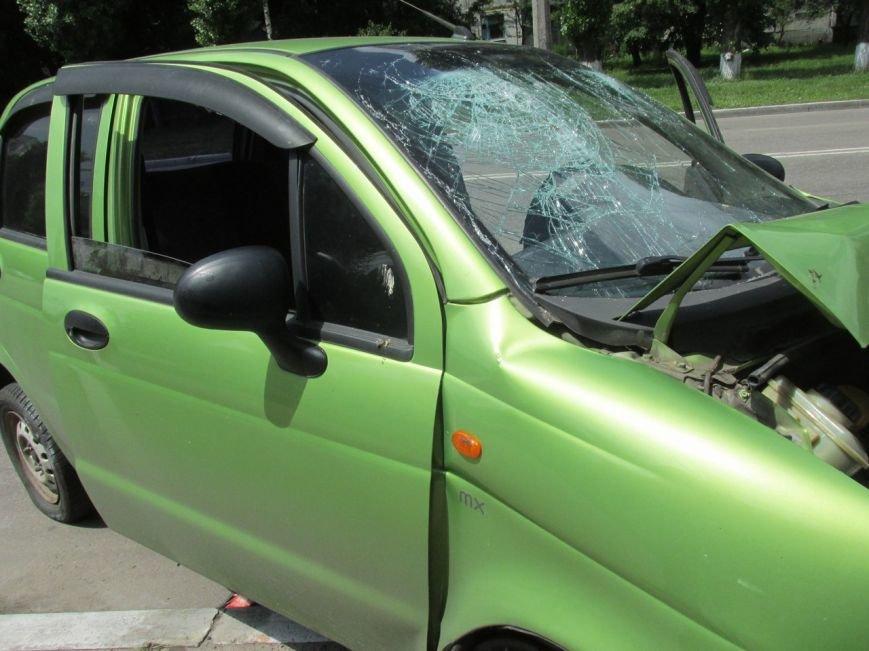 ДТП в Кременчуге: у Део Матиса лопнуло колесо, и он врезался в электроопору (ФОТО, ВИДЕО), фото-2