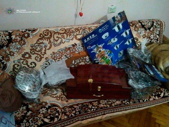 На Рівненщині чоловік віддав дві тисячі євро за столові прибори, фото-1