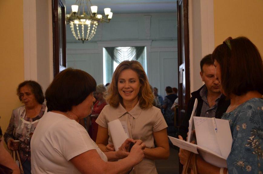 В Мариуполе активистам не удалось подарить похоронный венок Наталье Королевской (ФОТО+ВИДЕО), фото-15
