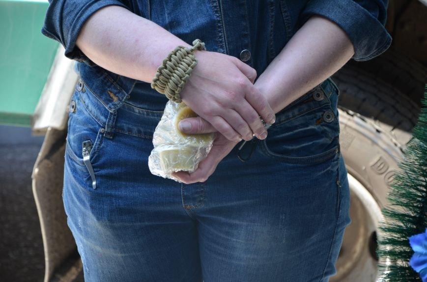 В Мариуполе активистам не удалось подарить похоронный венок Наталье Королевской (ФОТО+ВИДЕО), фото-10