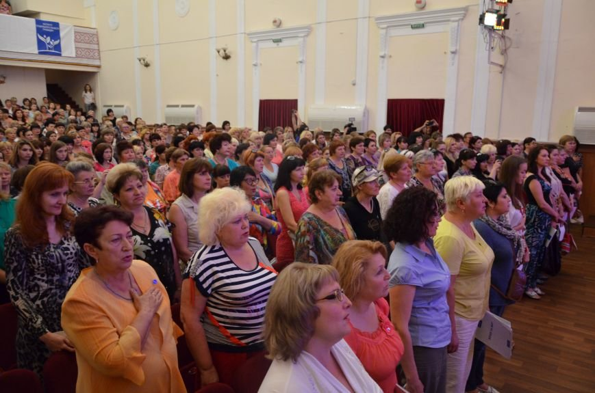 В Мариуполе активистам не удалось подарить похоронный венок Наталье Королевской (ФОТО+ВИДЕО), фото-19