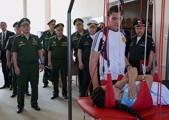 В Крыму Шойгу проверил военные санатории и вручил орден Жукова бригаде морской пехоты Черноморского флота (ФОТО), фото-3