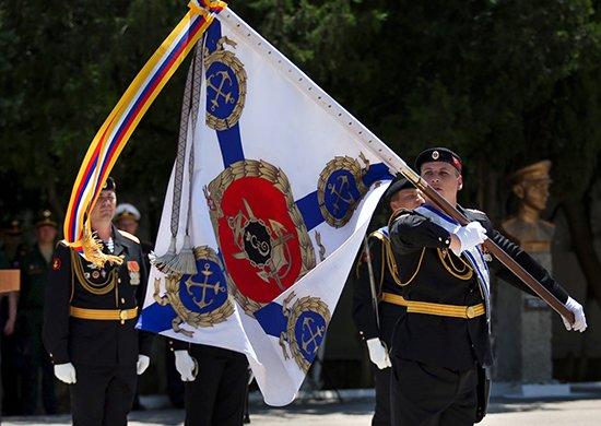 В Крыму Шойгу проверил военные санатории и вручил орден Жукова бригаде морской пехоты Черноморского флота (ФОТО), фото-9