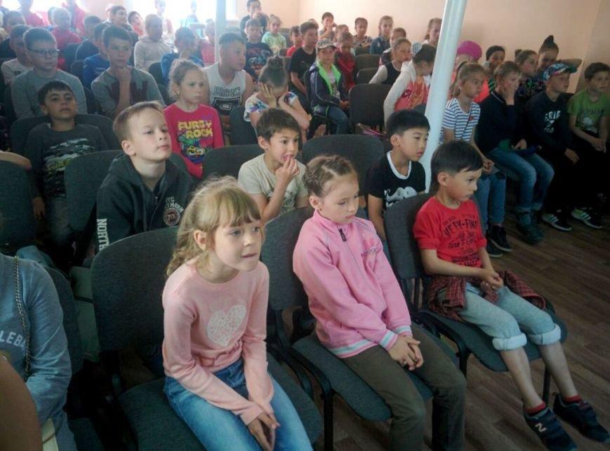 """Юные спортсмены """"Кристалла"""" познакомились с сахалинским ОМОНом, фото-1"""