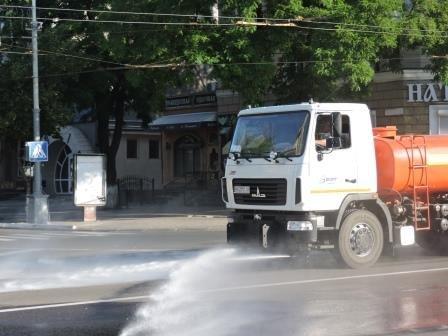 На мариупольские дороги каждый день будут лить по 200 кубов воды (ФОТО), фото-6