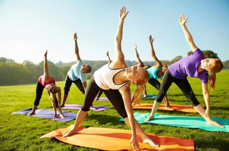 outdoor-yoga-fitness(1)