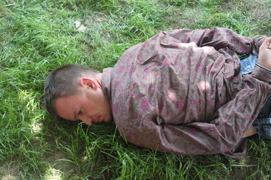 В Ужгороді затримали 4-ох серійних злодіїв, які тільки за сьогодні обчистили 2 квартири: фото, фото-2