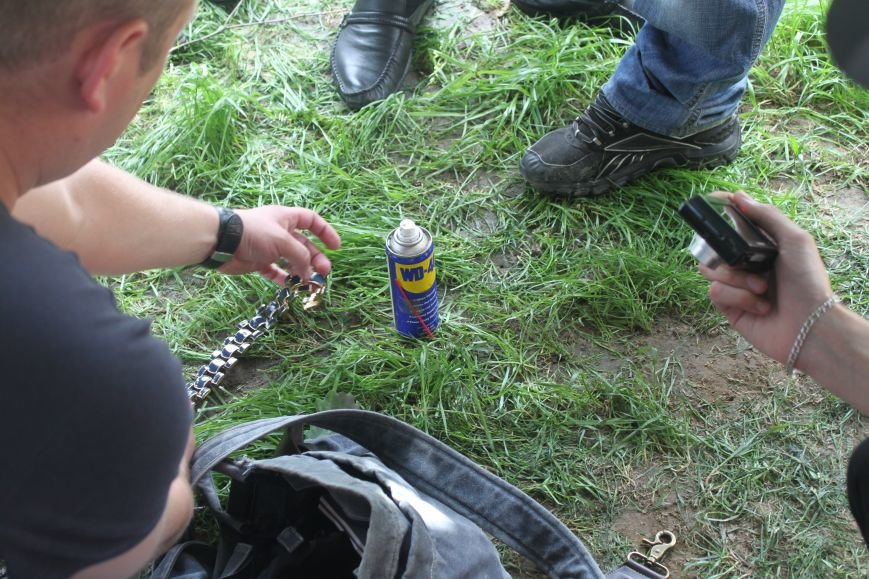 В Ужгороді затримали 4-ох серійних злодіїв, які тільки за сьогодні обчистили 2 квартири: фото, фото-1