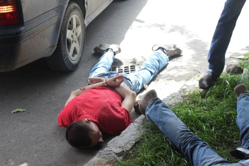 В Ужгороді затримали 4-ох серійних злодіїв, які тільки за сьогодні обчистили 2 квартири: фото, фото-5