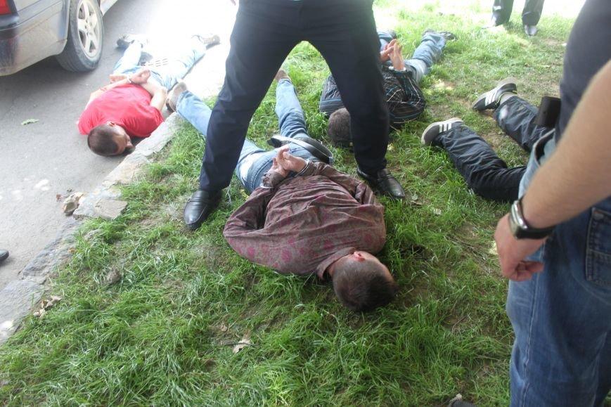 В Ужгороді затримали 4-ох серійних злодіїв, які тільки за сьогодні обчистили 2 квартири: фото, фото-6
