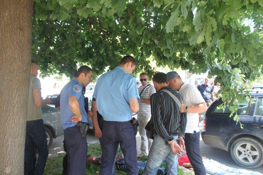 В Ужгороді затримали 4-ох серійних злодіїв, які тільки за сьогодні обчистили 2 квартири: фото, фото-3