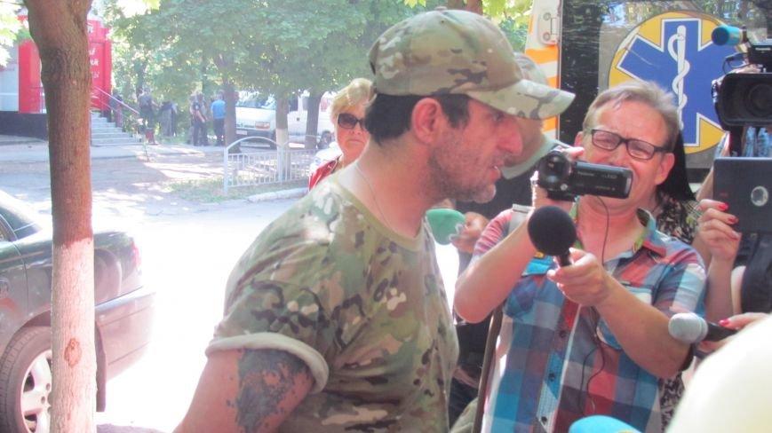 Мариуполец с гранатой сдался полиции (ФОТО), фото-4