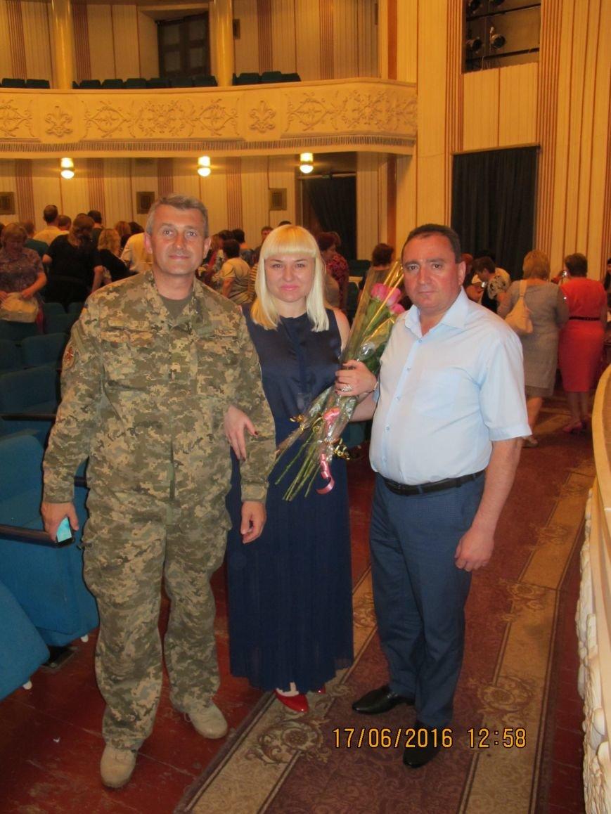 И.о. министра здравоохранения наградил почетными грамотами медиков Бахмута, фото-9