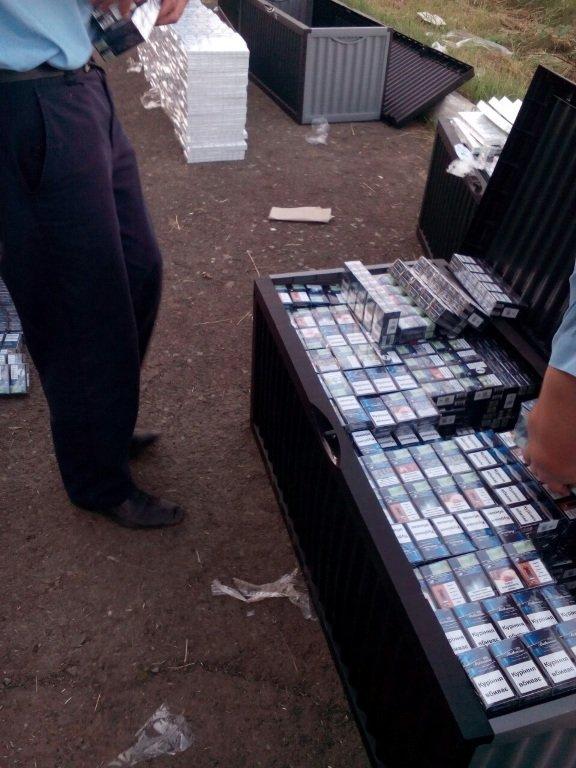 На Закарпатті дипломати перевозили велику партію контрабанди: фото, фото-3