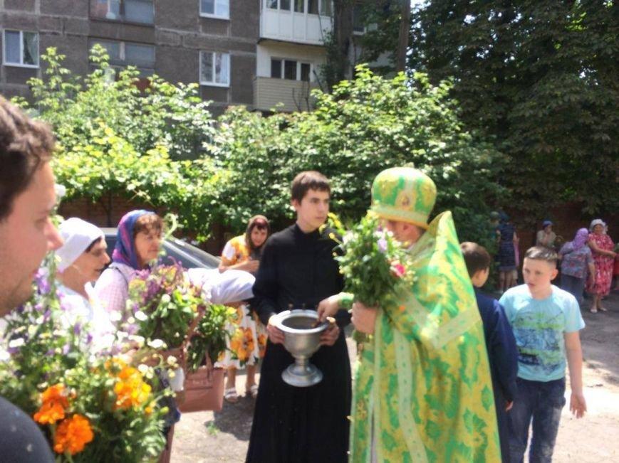 Православные мариупольцы отмечают Святую Троицу (ФОТО), фото-5