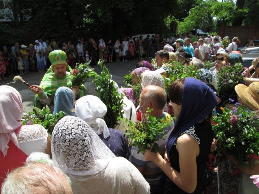 Православные мариупольцы отмечают Святую Троицу (ФОТО), фото-3
