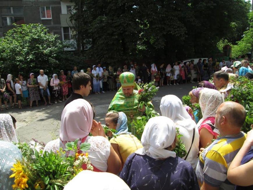 Православные мариупольцы отмечают Святую Троицу (ФОТО), фото-4