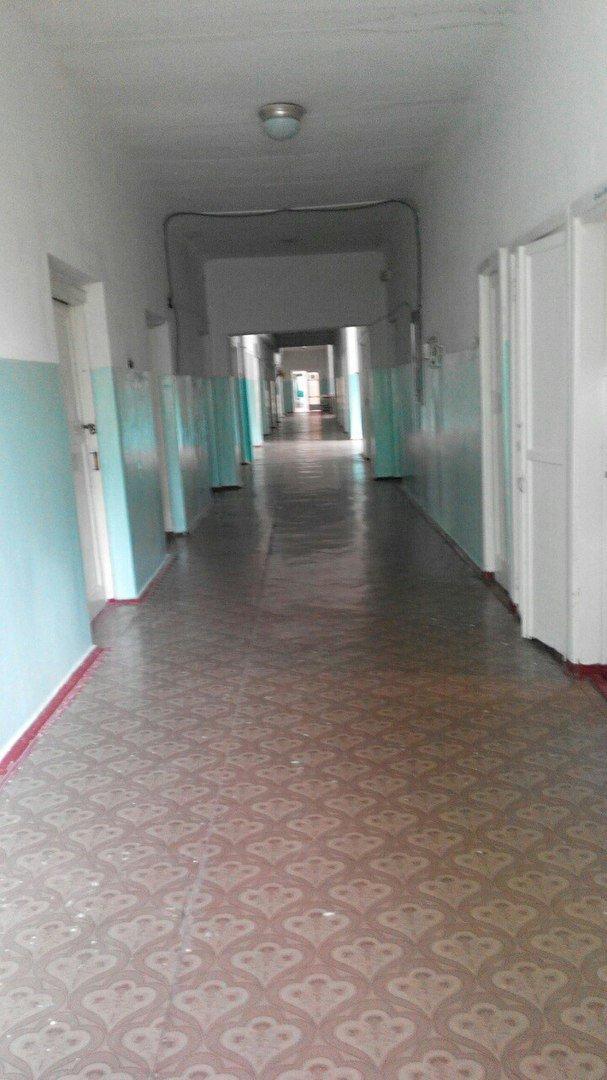 Детская больница в Кривом Роге: Очередь рыдающих малышей на забор крови, мамы с детками ютятся на старых  кроватях с провисшей сеткой (ФОТО), фото-8