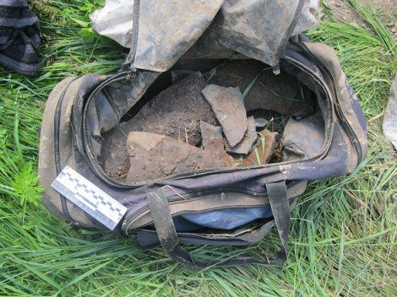 До п'яти років позбавлення волі загрожує двом шукачам металу за пошкоджену трубу, фото-2