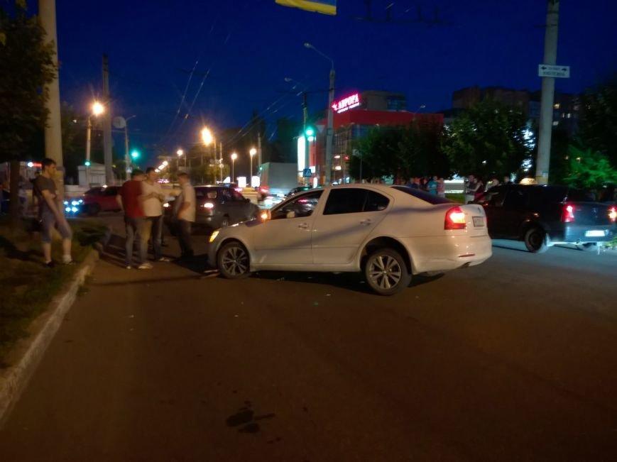 Пьяный водитель устроил аварию в Краматорске, фото-3