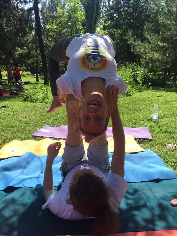 """В Международный День йоги  даже мариупольский коп сел в позу """"Лотоса"""" (ФОТО), фото-8"""