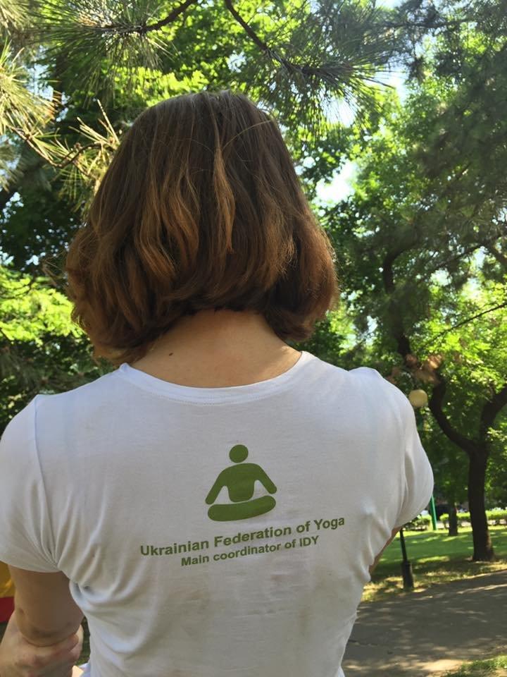 """В Международный День йоги  даже мариупольский коп сел в позу """"Лотоса"""" (ФОТО), фото-6"""