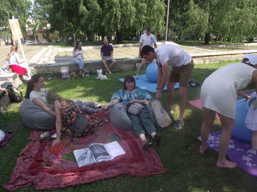 Десятки ульяновцев приобщились к йоге. ФОТО, фото-13