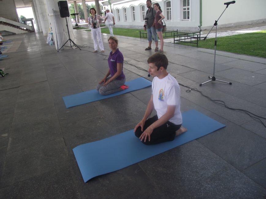 Десятки ульяновцев приобщились к йоге. ФОТО, фото-5