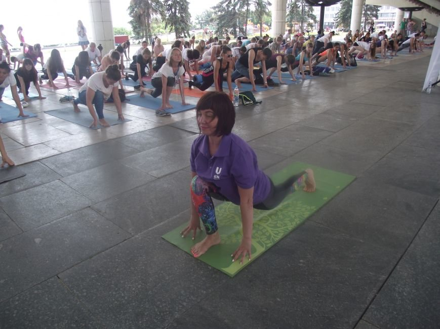 Десятки ульяновцев приобщились к йоге. ФОТО, фото-7