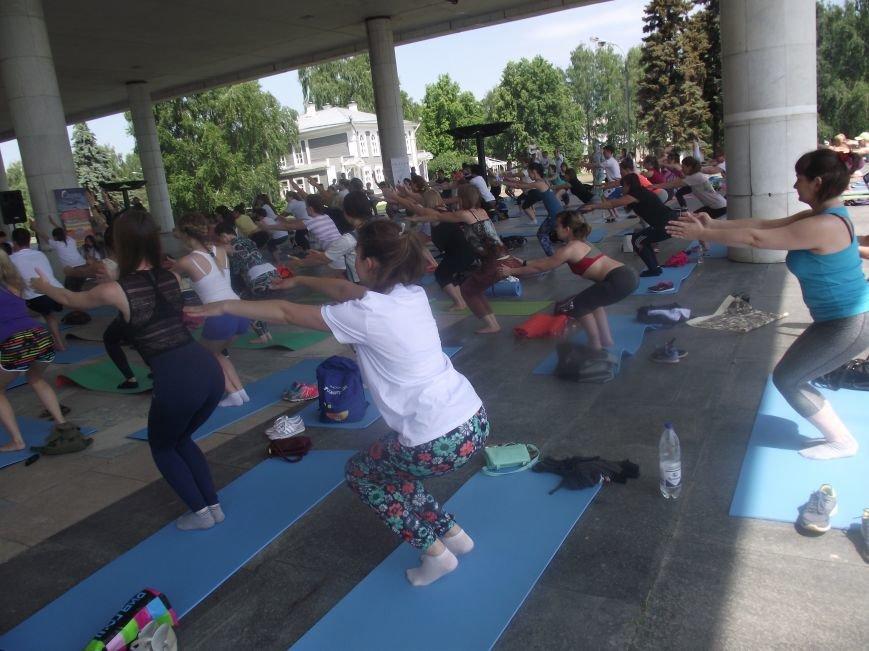 Десятки ульяновцев приобщились к йоге. ФОТО, фото-3