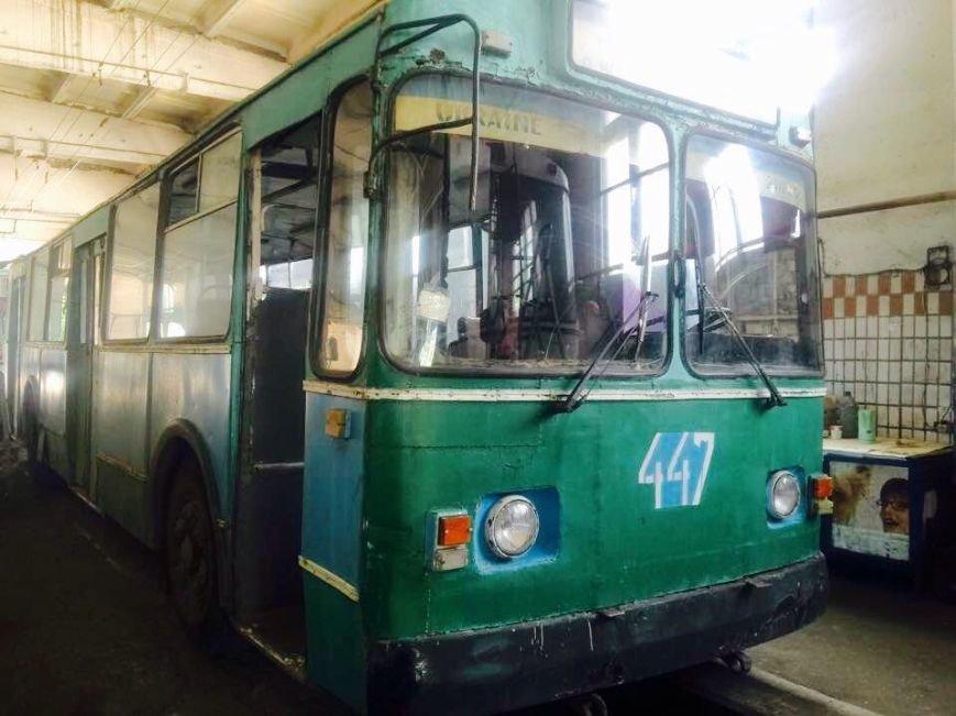 На улицы Херсона готовы выйти два обновленных троллейбуса (фото), фото-2