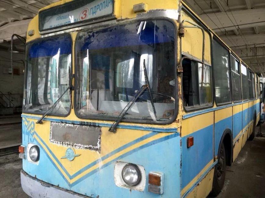 На улицы Херсона готовы выйти два обновленных троллейбуса (фото), фото-1