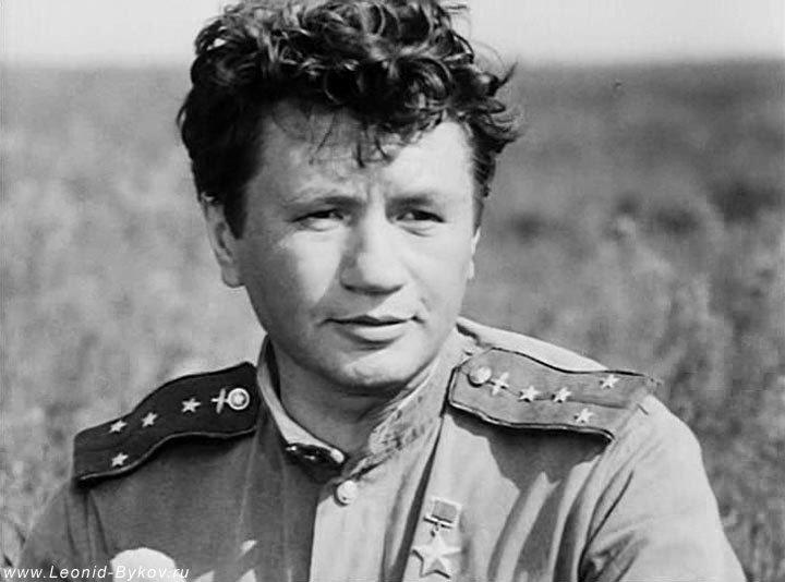 Актер кино, ставший первым секс-символом СССР: Леонид Быков, фото-4