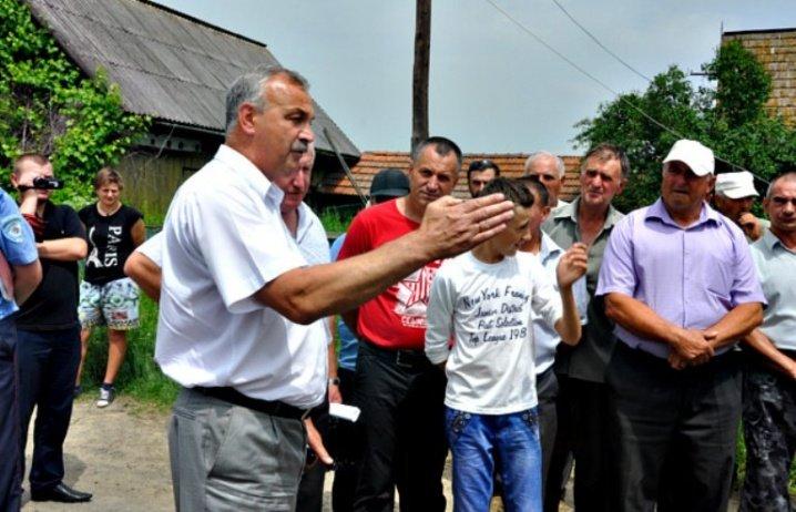 На Буковині селяни перекрили дорогу, фото-3
