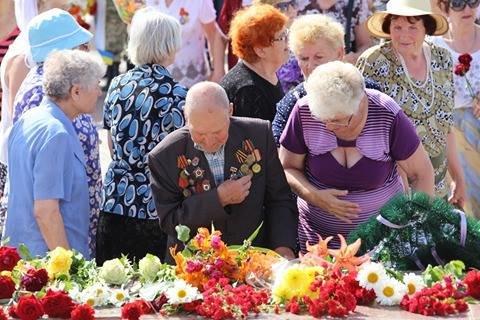 Херсонцы почтили память погибших во время Второй мировой войны (фото), фото-4